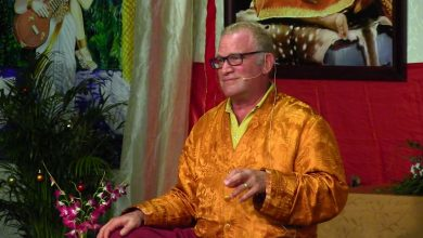 Buddhist teacher Lama Surya Das admits sleeping with adult students in past, says it was wrong