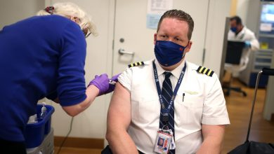 United calls for Covid vaccinations for its 67,000 US employees