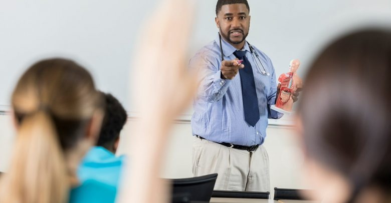 Black professionals remain underrepresented on the faculty of the US Medical School