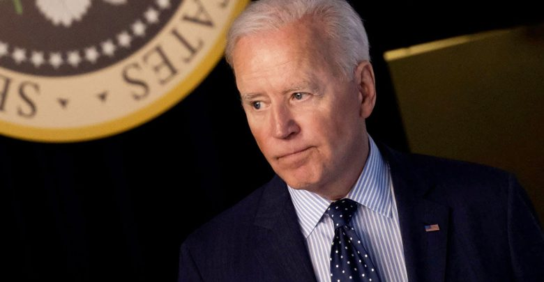FDA meeting puts Biden's plan to fight the virus at risk
