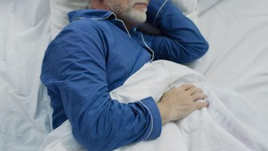 Finding Your Sleep Sweet Spot To Protect Your Brain As You Age, One Study Suggests |