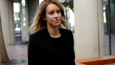 Former Safeway CEO says delays have raised red flags at Theranos
