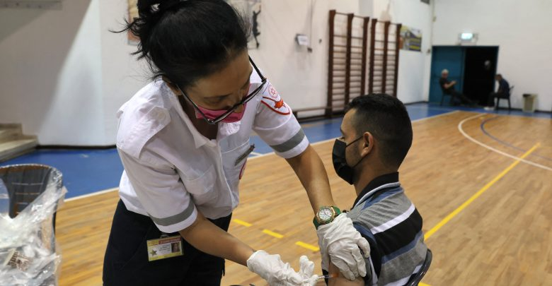People in Israel and Bahrain lose their vaccination status without a booster vaccination